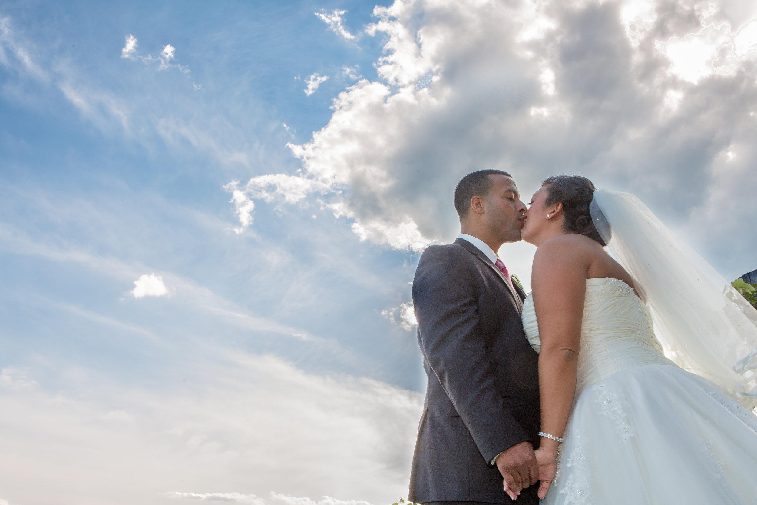 wedding flag hill winery kiss love .jpg