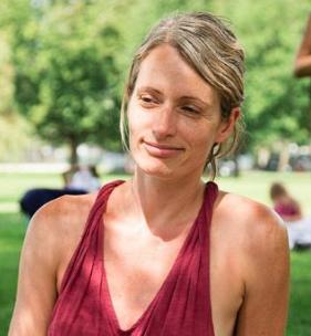 Tara Jones - Customer