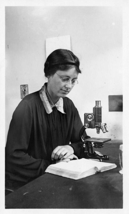Kathleen Mary Drew-Baker (1901-1957), Photo credit:Smithsonian Institution