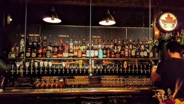 Bar hop taps