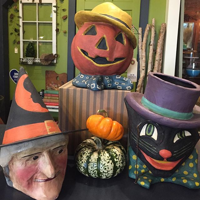 Happy Halloween! #halloween2018 #visitchathamny #hudsonvalley #shopsmallbusiness
