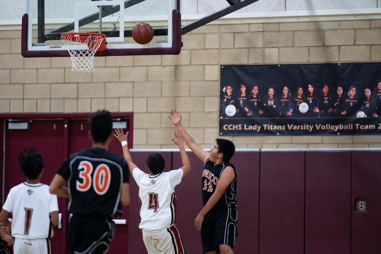 20181211_BasketballBoysFR_CCHS_017.jpg
