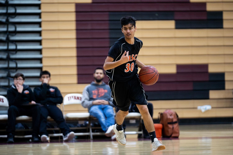 20181211_BasketballBoysFR_CCHS_035.jpg