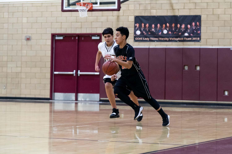 20181211_BasketballBoysFR_CCHS_038.jpg