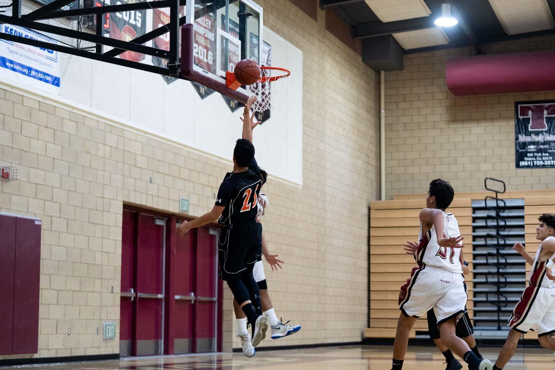20181211_BasketballBoysFR_CCHS_050.jpg