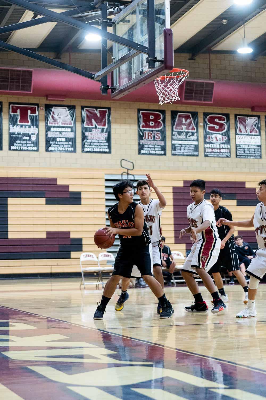20181211_BasketballBoysFR_CCHS_095.jpg