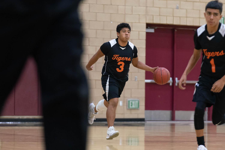 20181211_BasketballBoysJV_CCHS_008.jpg