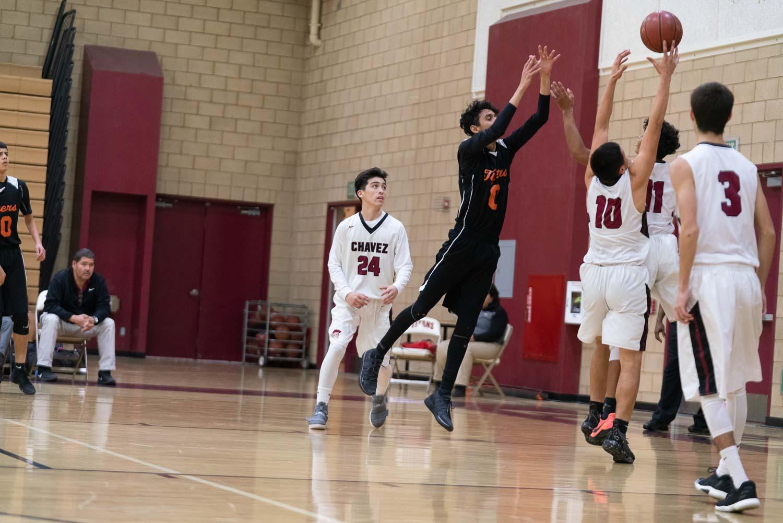 20181211_BasketballBoysJV_CCHS_015.jpg