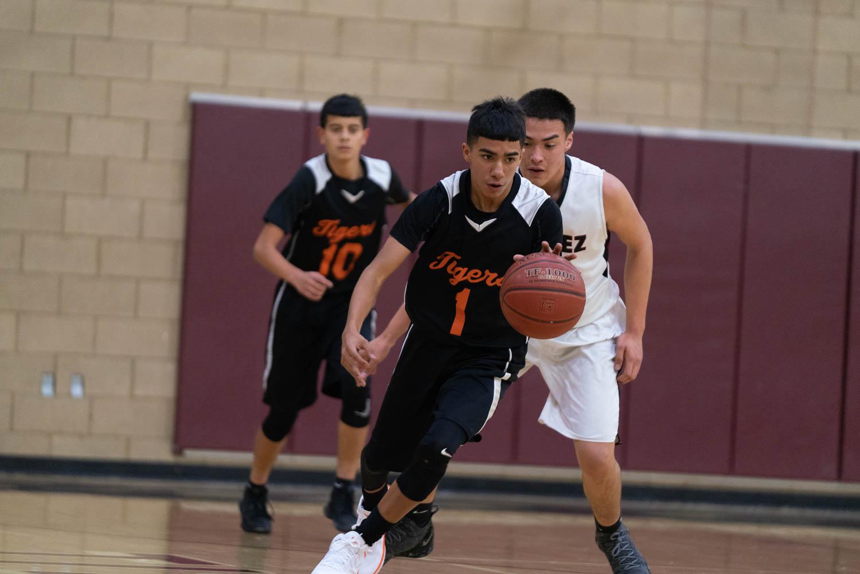 20181211_BasketballBoysJV_CCHS_031.jpg