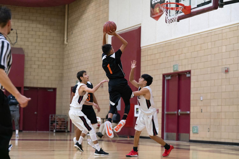 20181211_BasketballBoysJV_CCHS_033.jpg