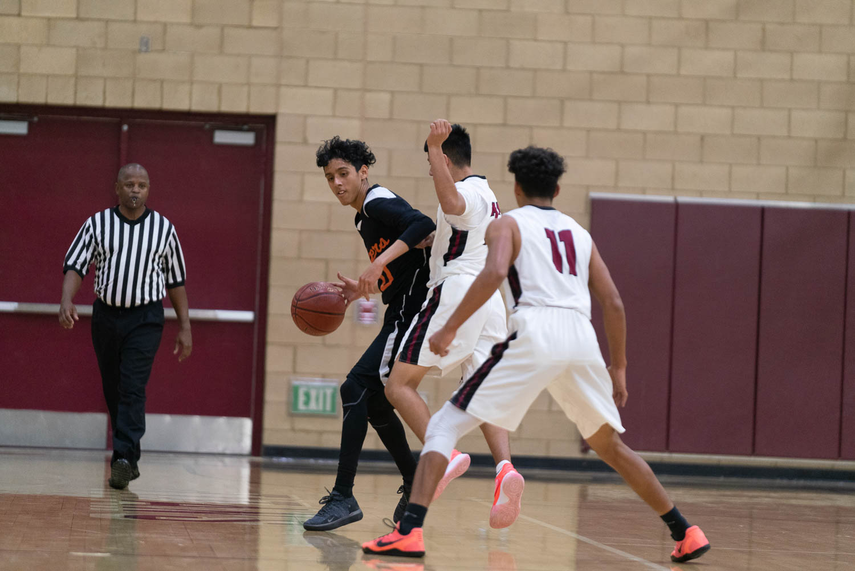 20181211_BasketballBoysJV_CCHS_054.jpg