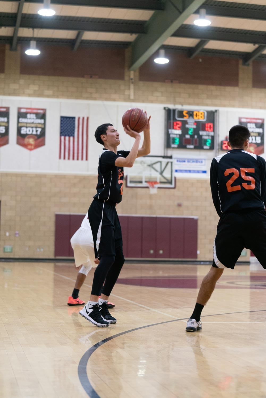 20181211_BasketballBoysJV_CCHS_058.jpg