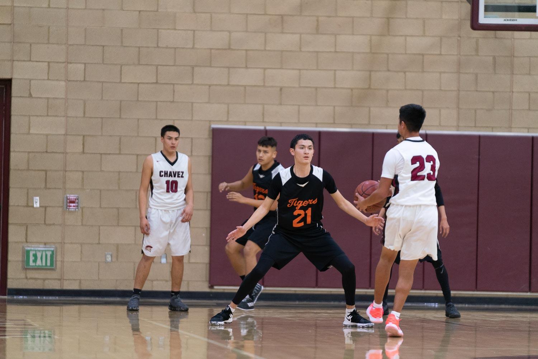 20181211_BasketballBoysJV_CCHS_072.jpg