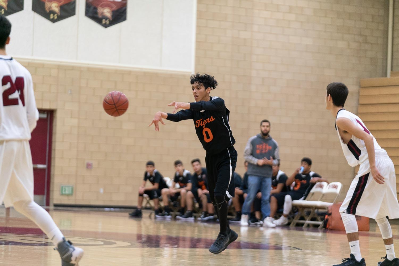 20181211_BasketballBoysJV_CCHS_073.jpg