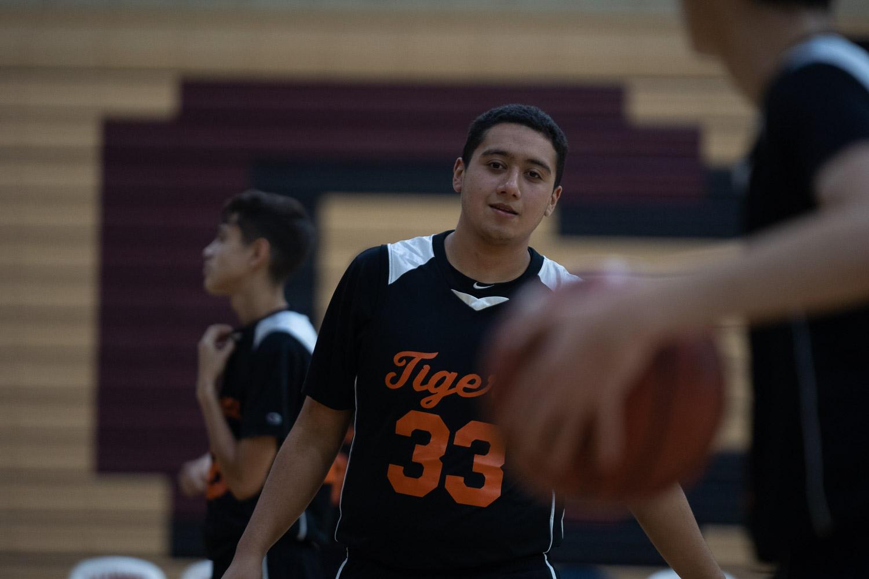20181211_BasketballBoysJV_CCHS_085.jpg