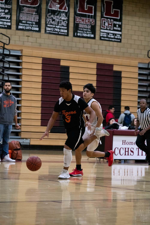 20181211_BasketballBoysJV_CCHS_145.jpg
