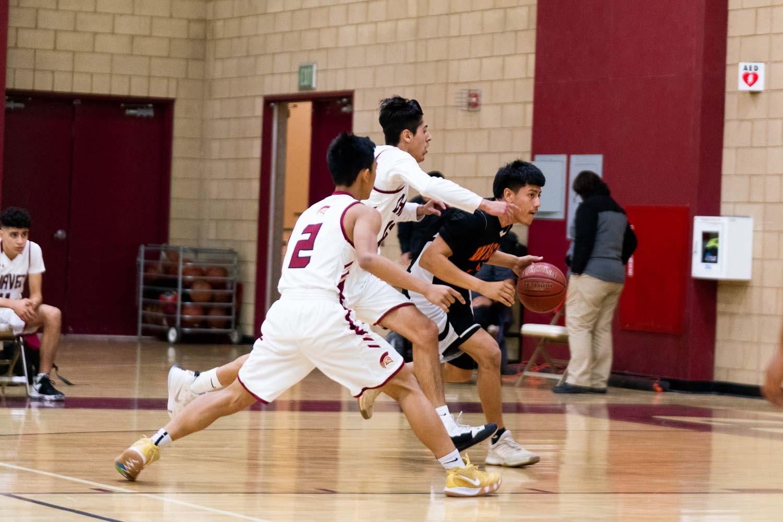 20181211_BasketballBoysVAR_CCHS_008.jpg