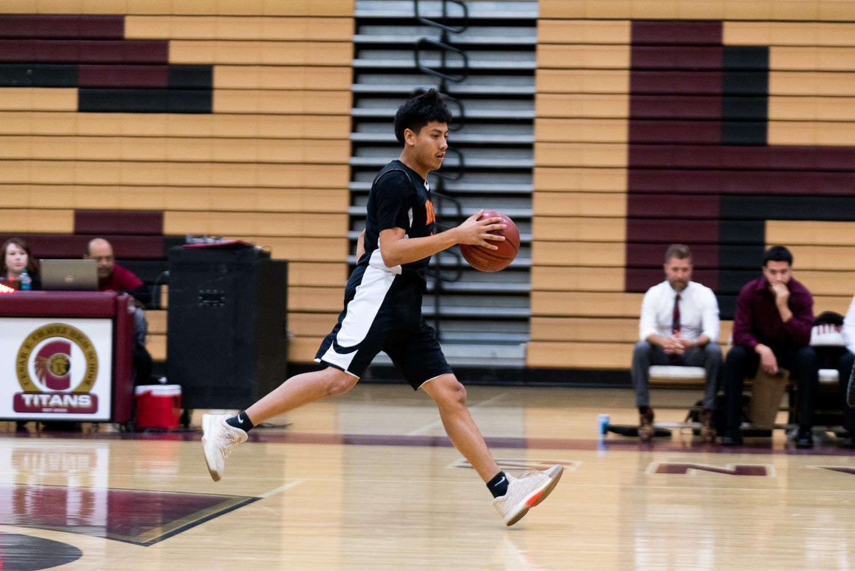 20181211_BasketballBoysVAR_CCHS_012.jpg