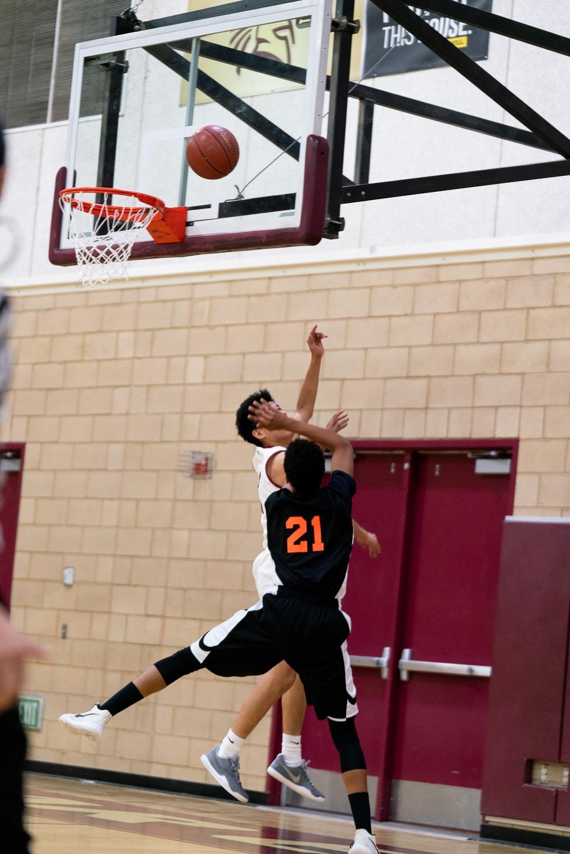 20181211_BasketballBoysVAR_CCHS_017.jpg