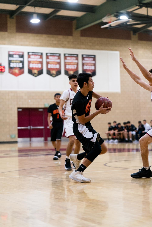 20181211_BasketballBoysVAR_CCHS_027.jpg