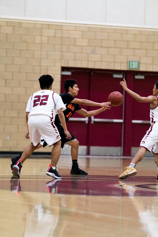 20181211_BasketballBoysVAR_CCHS_064.jpg