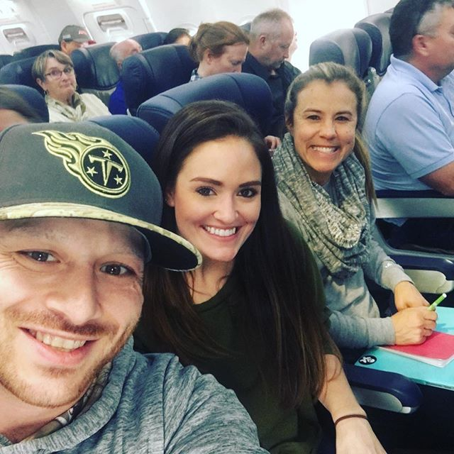 Hey @ksonsandiego - Headed to San Diego to play The @moonshinebeach Friday and @moonshineflats Saturday !! Made some new fans that are coming to party with us on my @southwestair flight! Now just need @onthereg_greg and the rest of the crew to come out and join my @padres crew!! 🤘#KISSING #CaliforniaLove
