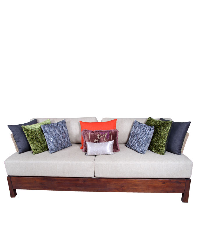 new    bound sofa - 126cm x 73cm   n300,000.00