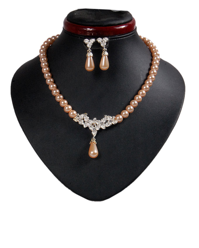 new    osterley pearl set - gold   n2,500