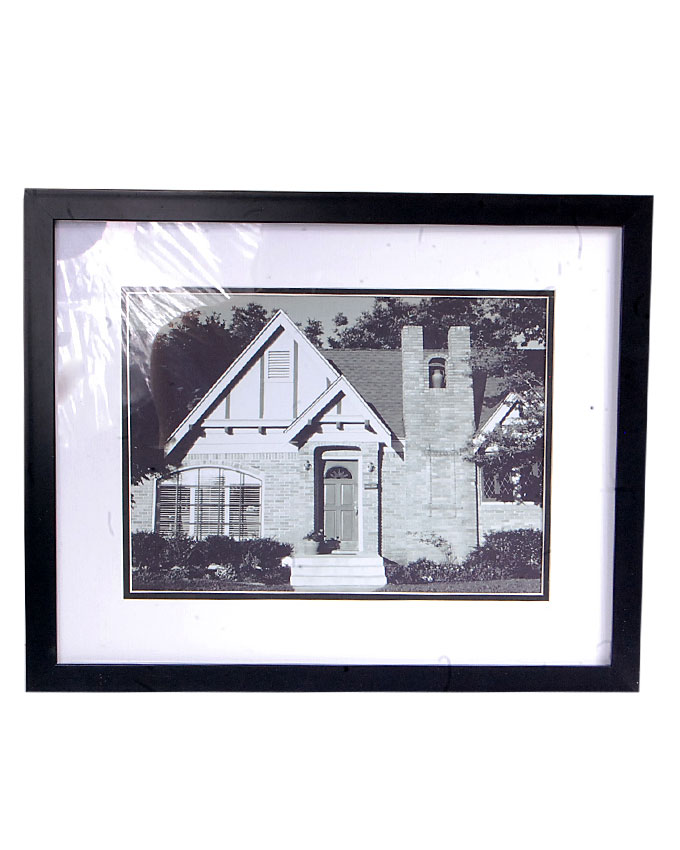vicci 2 black and white painting - 38 x 2 x 31cm   n4,000