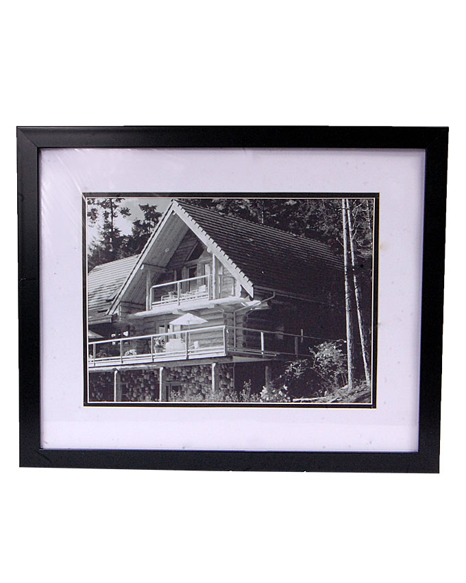 vicci 1 black and white painting - 38 x 2 x 31cm   n4,000