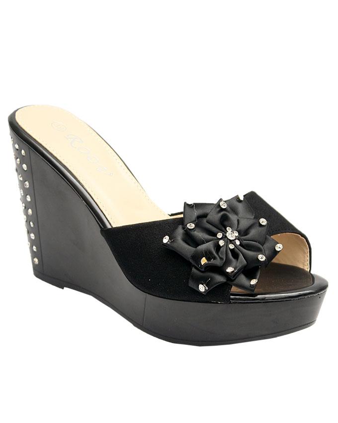 delta satin slipper with petal stud detail - black    sizes : 36, 37, 38, 39, 40, 41  n11,500