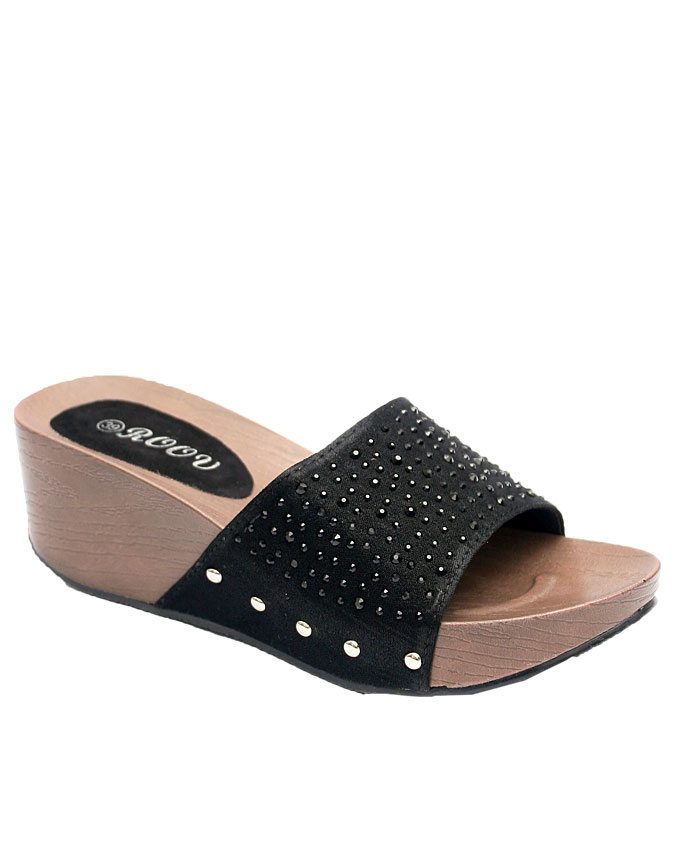 Gillian comfort slipper in satin with top studs - black    sizes : 36, 37, 38, 39  n10,000