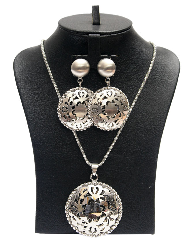 disc shaped jewelry set silver plated - 2 piece   n3,500
