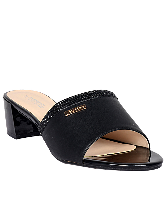 leather slipper with black trim and gold side detail   size 41 / u.k size 7  n13,000
