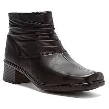 black boots.jpeg