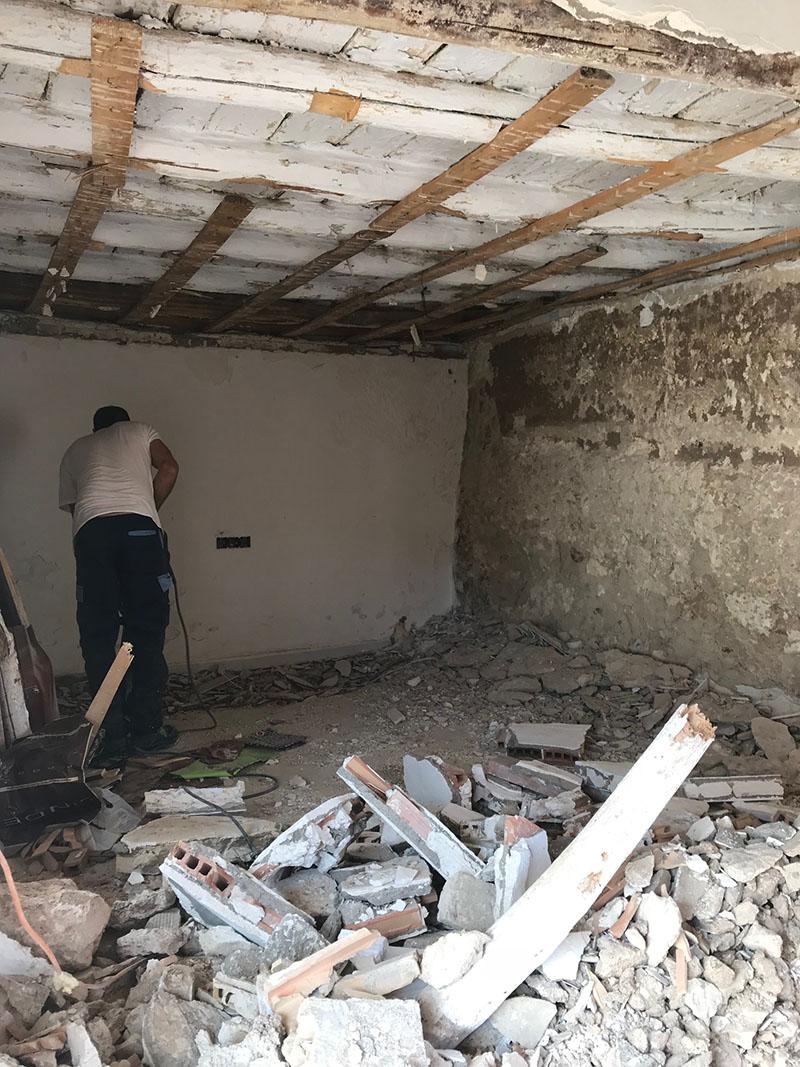 Exposing the walls