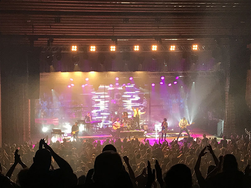 Simple Minds in Concert, Granada