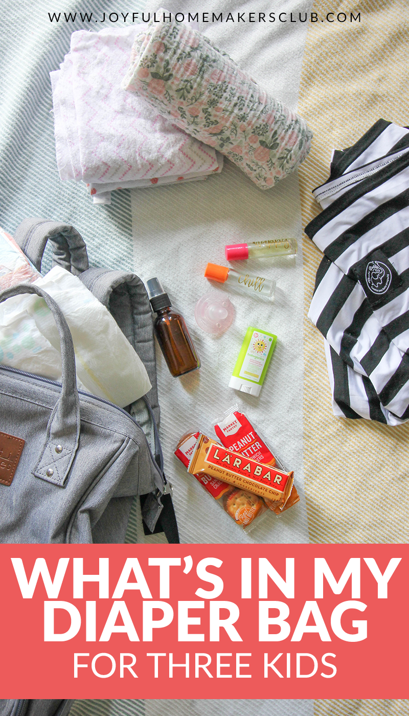 what I pack in my diaper bag for three kids - preschooler, toddler, and infant #diaperbag #momlife #whatsinmybag #newborn