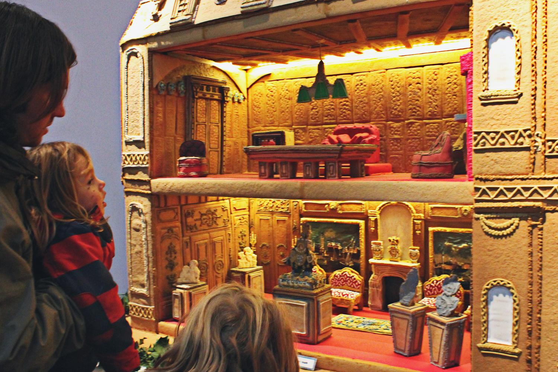 waddesdon-manor-biscuiteers-gingerbread-house.jpg