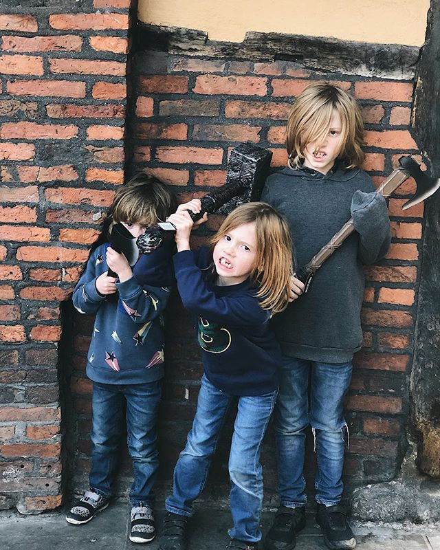 These three little warriors are having lots of fun here at the Jorvik Viking Festival....especially as they now have a battle-axe, war hammer and an axe... what can go wrong 😳😳😳