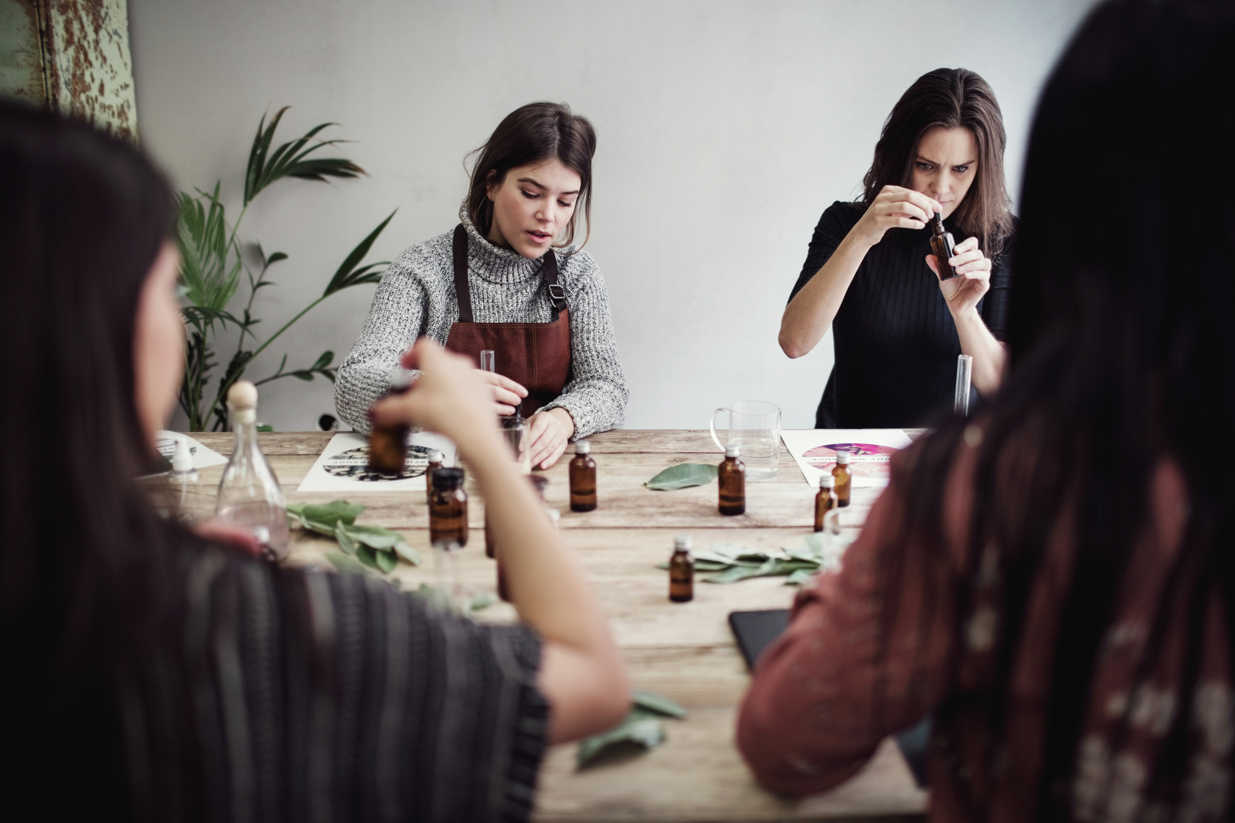 Be Smart.Be Social. - Join other high-level women to learn, grow, and connect through curated, experiential lifestyle classes.
