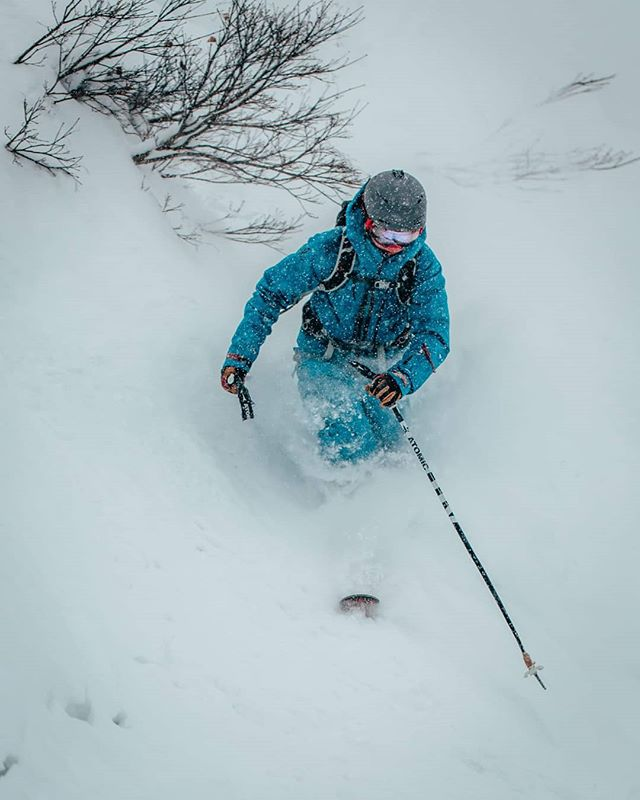 My ski holiday   your ski holiday. . . . H A K U B A . J A P A N. . . . #Japow #japan #hakuba #shredit #justgunnasendit #toomuchblue #imbluedabadeedabadie 📷by @joshitravels