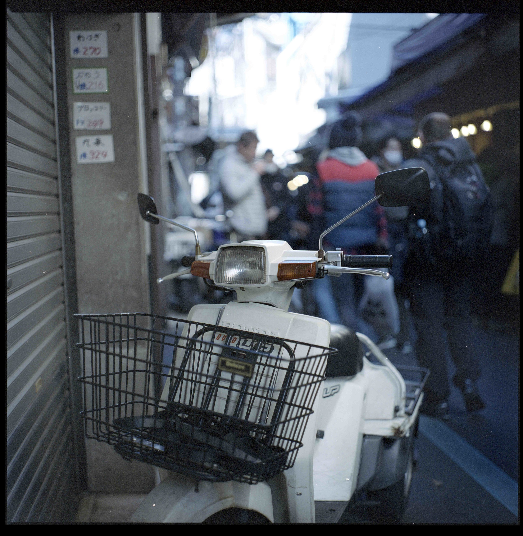 Moped-Tokyo.jpg