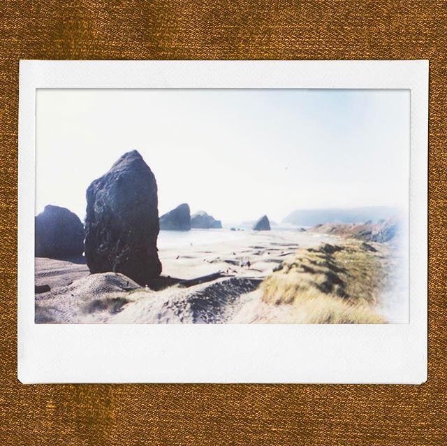 Just trying to connect... unknown error always occurring. Photo: South Oregon Coast - August 2016 . . #oregon #northwest #westcoast #oregoncoast #beach #instax #polaroid #instantfilm #ibelieveinfilm #instaxwide #instax210
