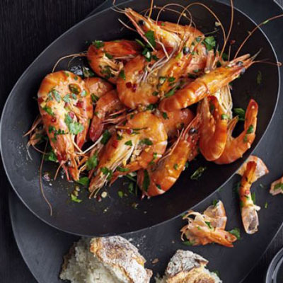 Buttery Chilli Prawns - Cook & Bakeware