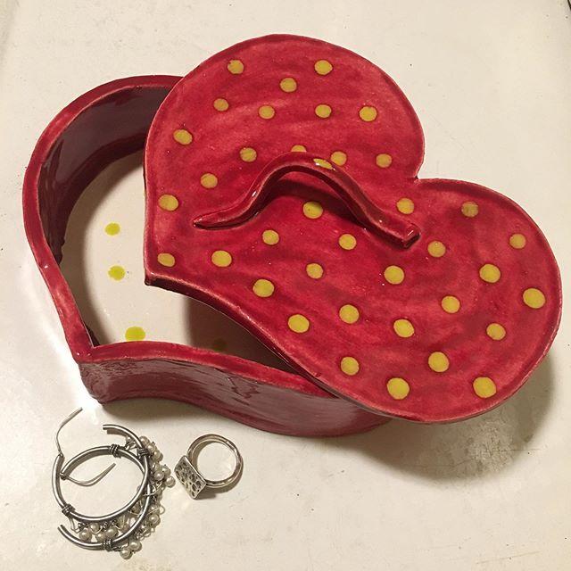 #heart #shaped #ceramic #box #dots #polkadots #red #green #color #colour #art #love #create