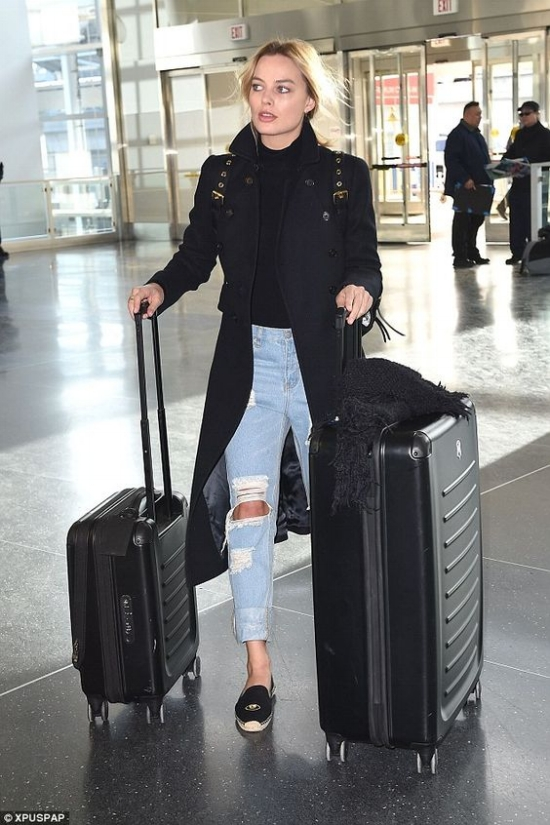 what to wear to the airport-airport style
