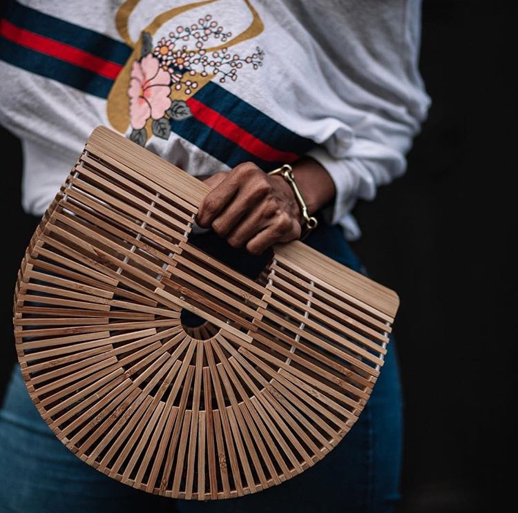 the it bag of summer, the basket bag, how to style the basket bag