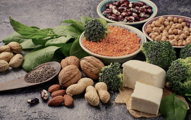 Picture credit @  http://blog.myfitnesspal.com/8-plant-based-proteins-support-weight-loss/
