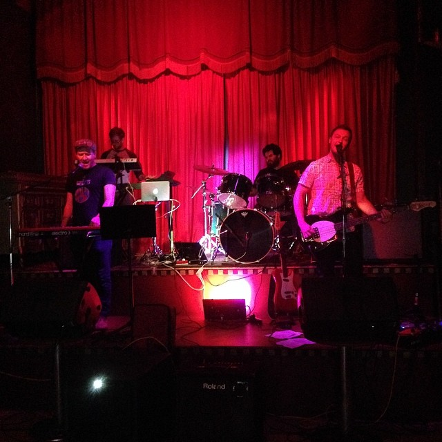 WHALESOUNDZ soundchecking at the #MakeOutRoom and it soundz mighty purty. Join us from 8 to 10 in San Francisco!!TONIGHT! (at Make-Out Room)